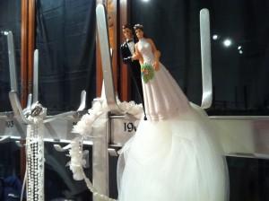 Mein Brautpaar hat sich schon mal am Haken und schwebt auf Schleierwolken.